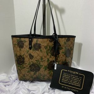 Coach Reversal City Tote - Floral and Black